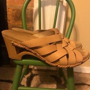 Dansko tan strappy sandals wood heel women 42/12